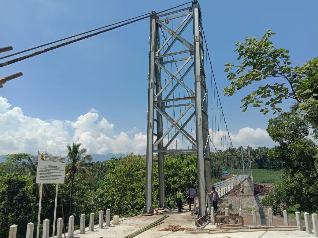 Image : Jembatan Penghubung Kecamatan Mertoyudan dan Tempuran Hampir Rampung